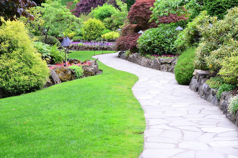 crazy-paving-garden-path-ideas-image